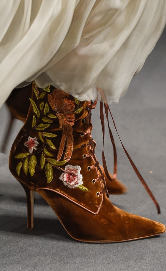 embroidery-shoes